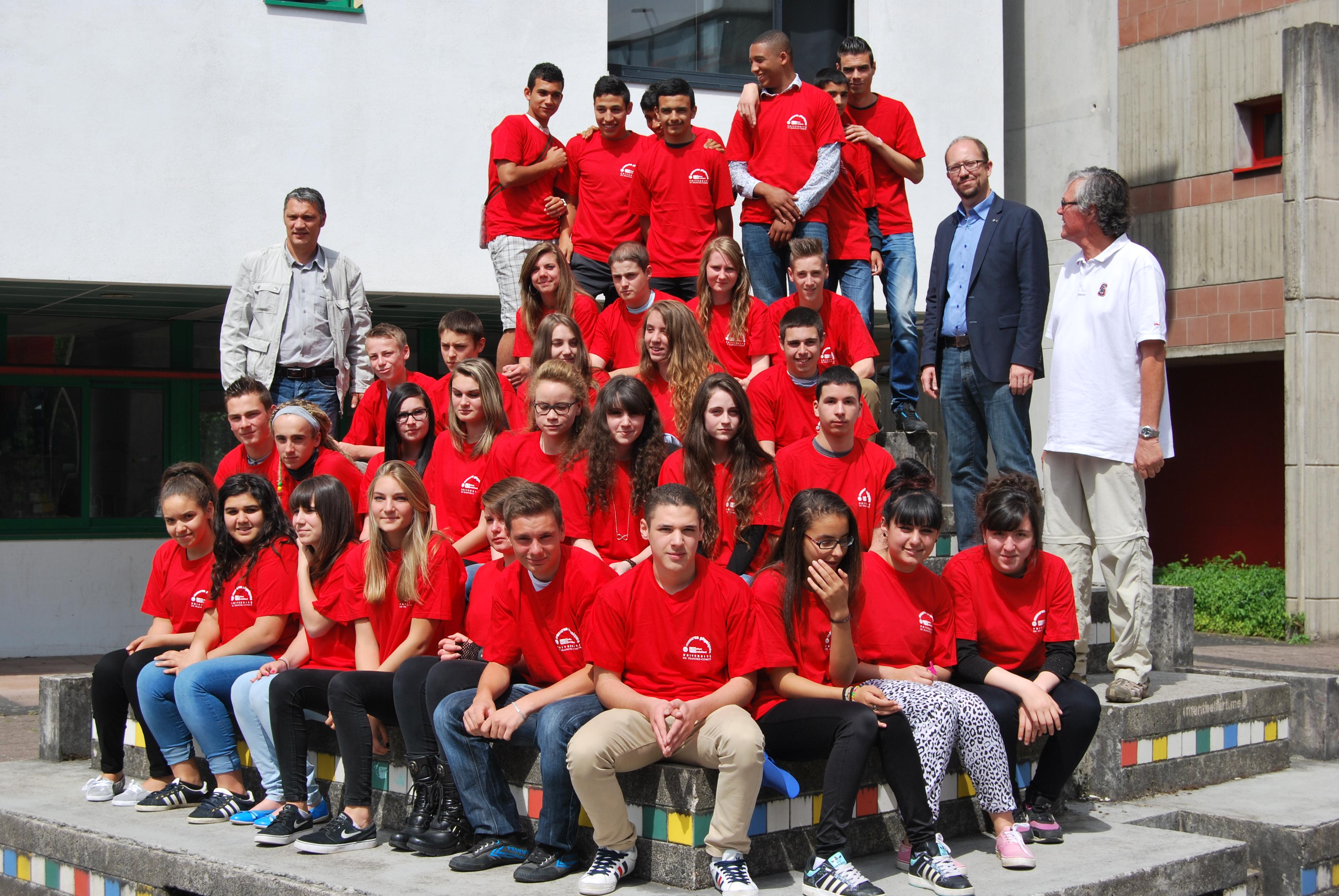 Photo de groupe des lycéens participants